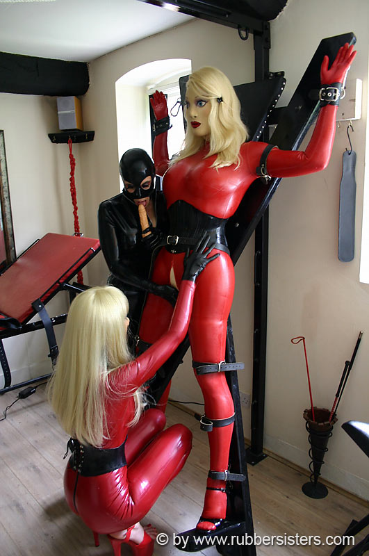 escort hbg fetish latex