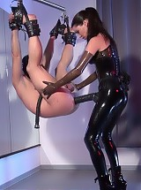 Mistress Susi - strap-on suspension