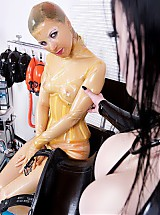 Rubber clinic nurse is receiving the patient and immediately starts with the check-up